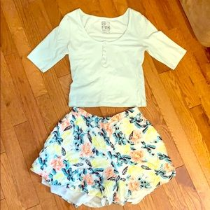Adorable floral shorts/top outfit bundle!